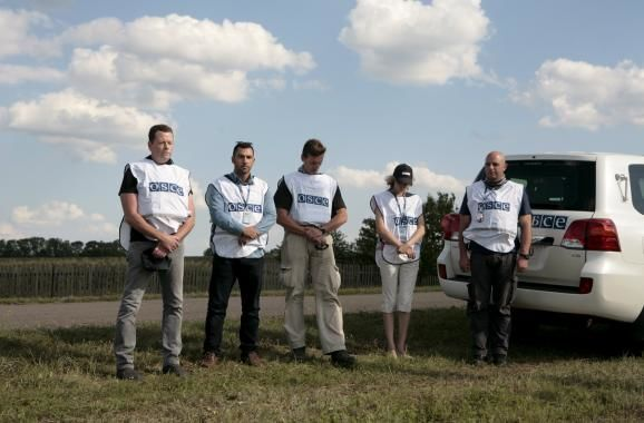 До сліз! Як у світі шанували пам'ять жертв MH17: фоторепортаж