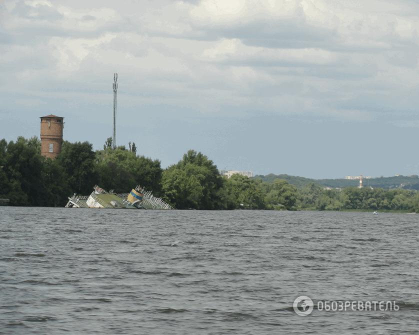 Де в Києві виявити затонулі кораблі: фотофакт