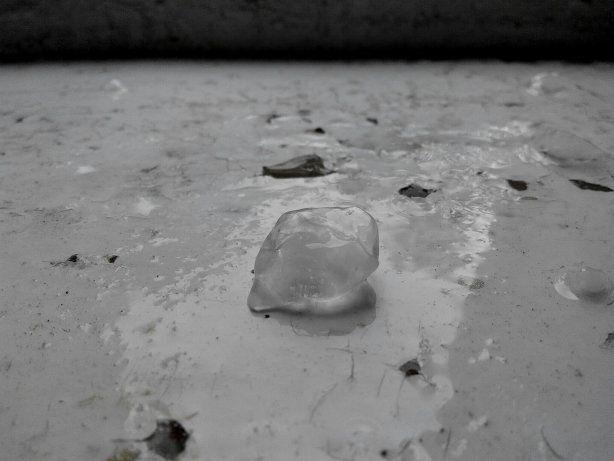 В Ивано-Франковске на выходных бушевал град и ураган: опубликованы фото и видео