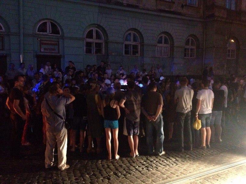 Во Львове пьяный бизнесмен устроил скандал и ДТП: опубликованы фото