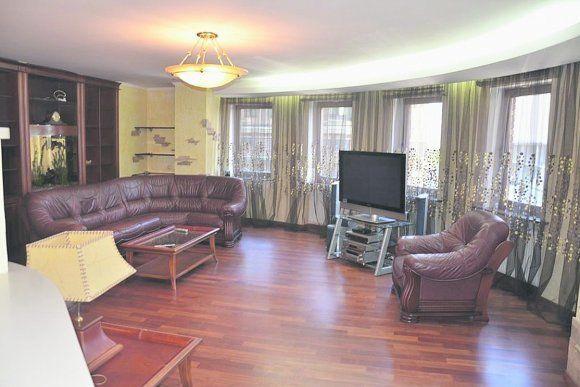 Луценко надумал продать квартиру с джакузи и картинами за 11 млн