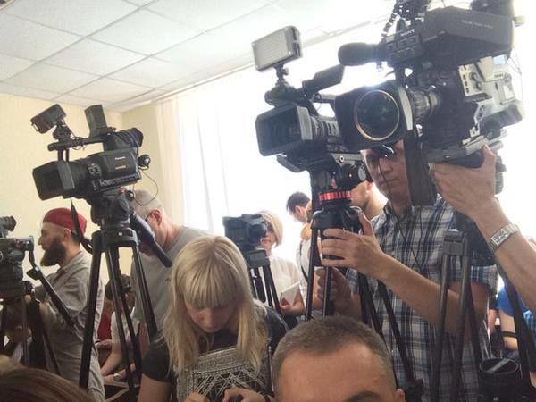 Клоуны, адвокаты и наперстки: суд над Кернесом снова перенесли