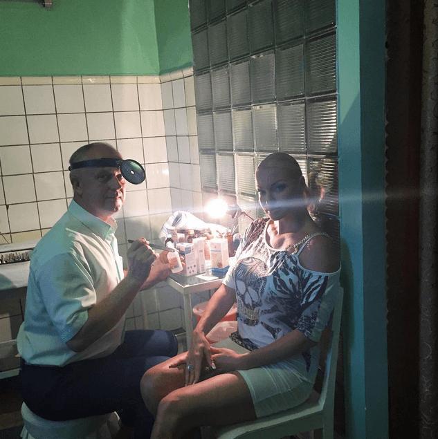 В Крыму после укуса морского чудовища Волочкова обратилась к врачу