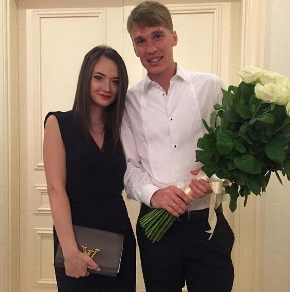 """Жена футболиста """"Динамо"""" показала волшебные фото со свадьбы"""