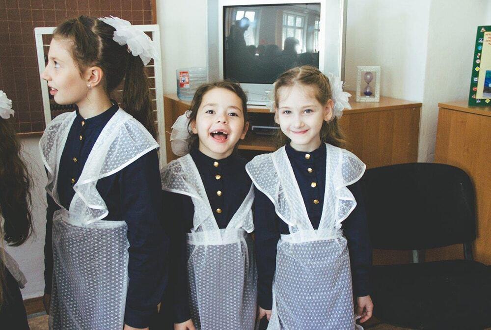 В севастопольские школы вернули форму эпохи царской России: фотофакт