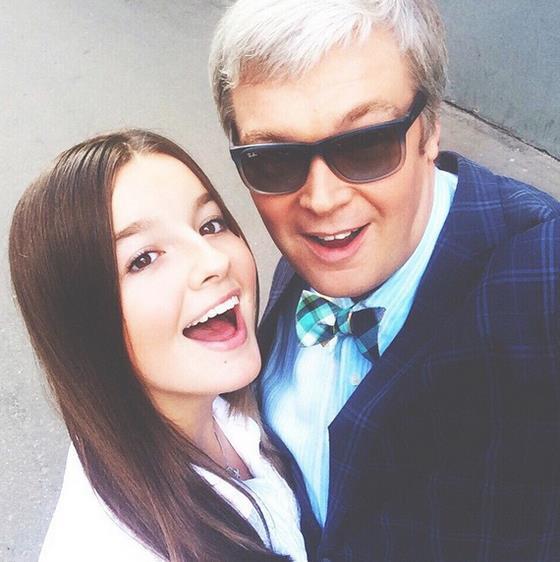 Дочери Брежневой и Пескова станут дебютантками бала в России