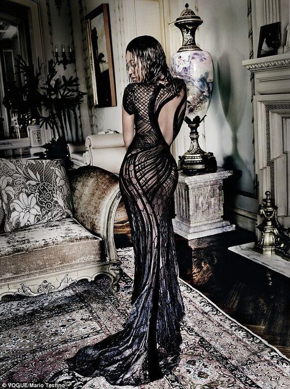 Неприкрытая сексуальность: Бейонсе восхитила роскошным бюстом и пышной попой в новой фотосессии