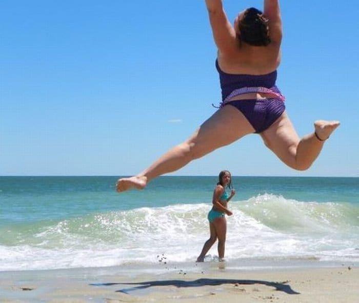 Смешные фото с моря девушек