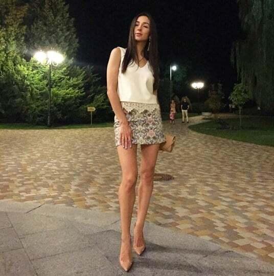 """Жены футболистов """"Шахтера"""" покорили киевлян роскошными ножками: эффектные фото"""