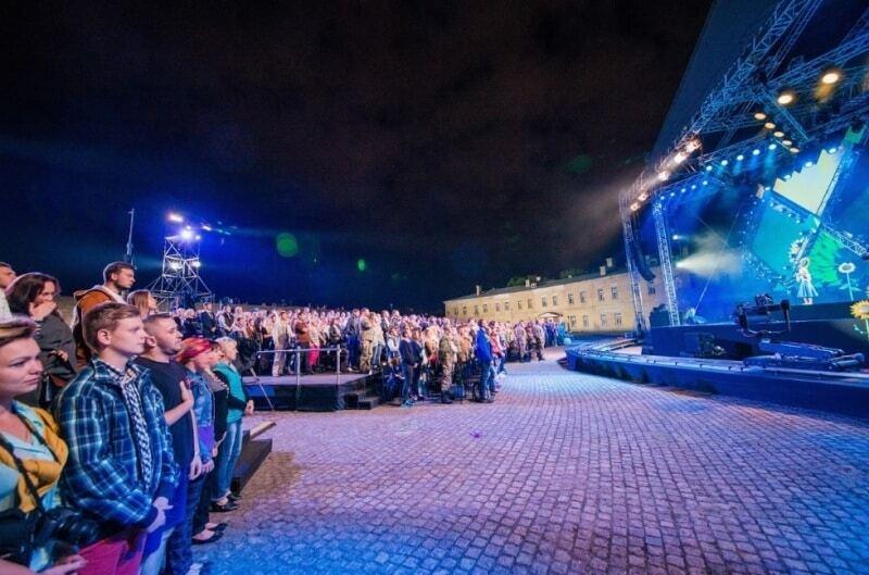 Независимость - это ты: Кароль, Пономарев, Могилевская и другие проникновенно спели об Украине