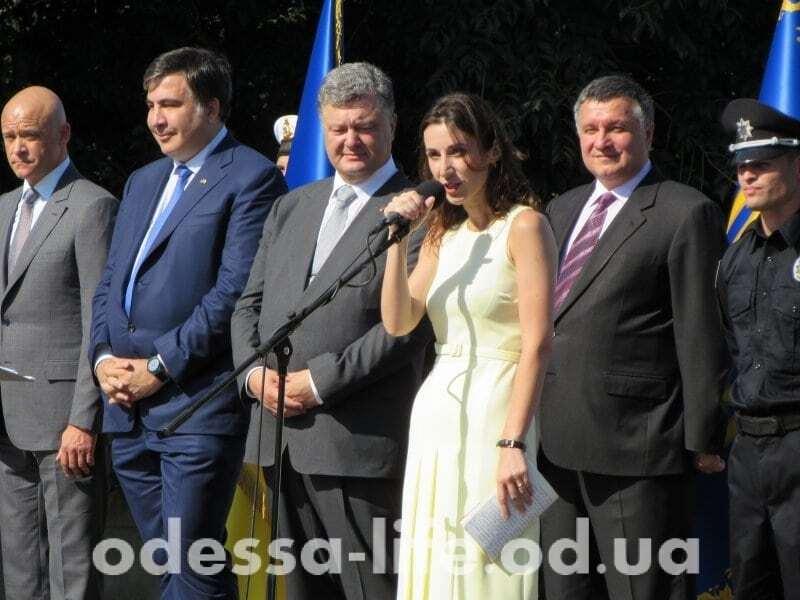 Сильный характер в хрупком теле: Эка Згуладзе показала идеальную фигуру в Одессе