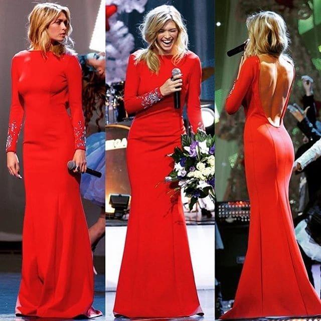 Вера Брежнева показала изгибы тела в потрясающем красном платье