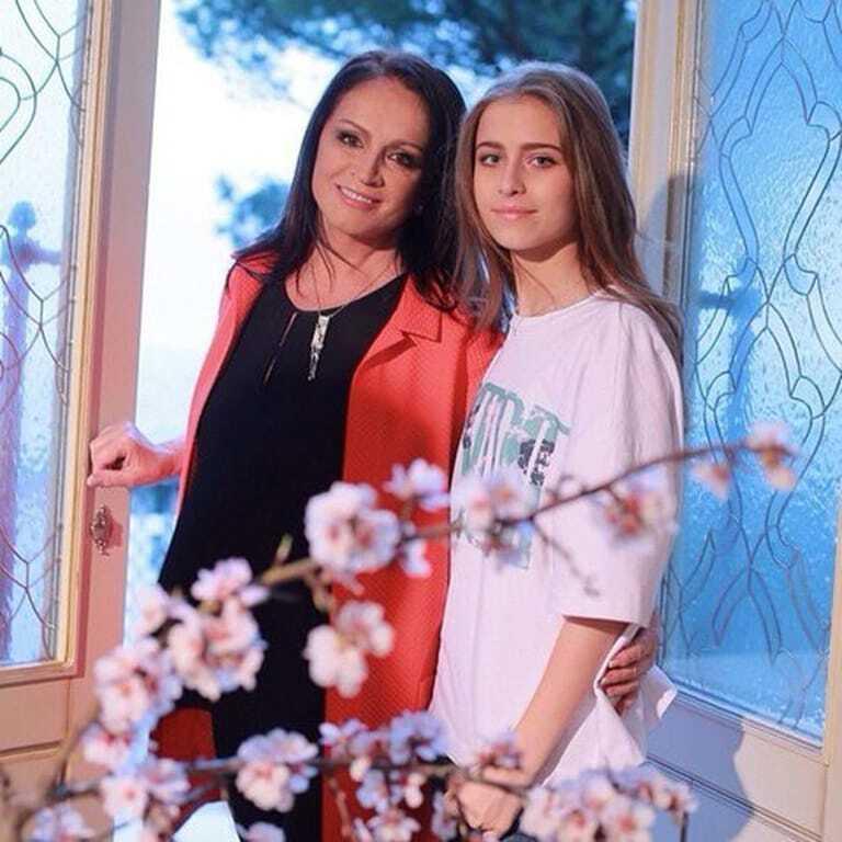 Внучка Ротару и дочка Пескова встретятся на балу дебютанток в Москве