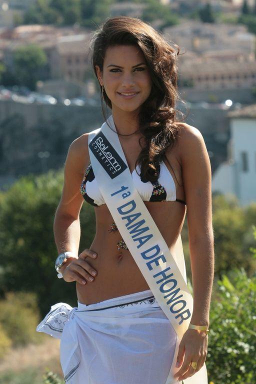 Любовница известного футболиста выиграла конкурс красоты в Испании