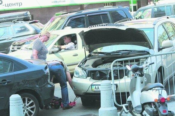 Кужель влаштувала транспортний колапс у центрі Києва: фотофакт