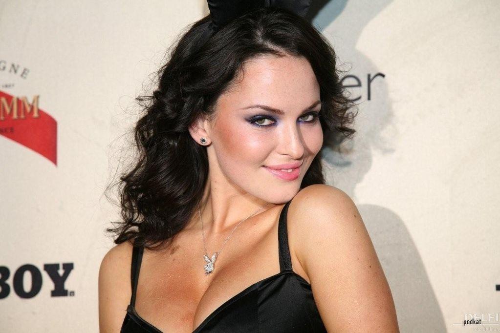 Астафьева отмечает 30-летие: лучшие фото самой известной украинской звезды Playboy