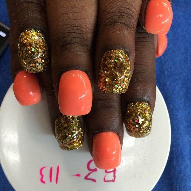 Новый тренд лета: девушки по всему миру делают безумный маникюр bubble nails