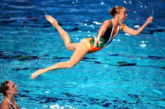 Стоп-кадр: смешные фотографии пловчих бьют рекорды в соцсетях