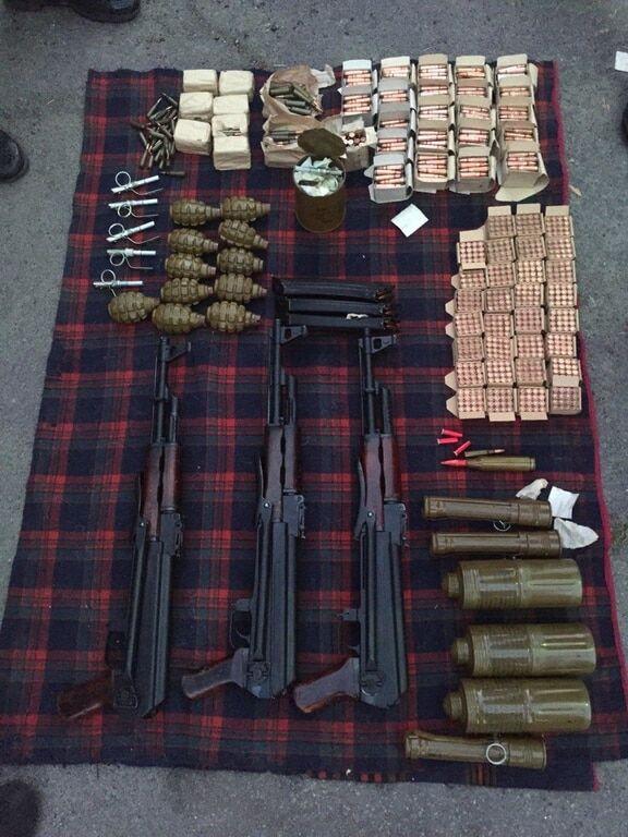 На Киевщине задержали торговцев оружием