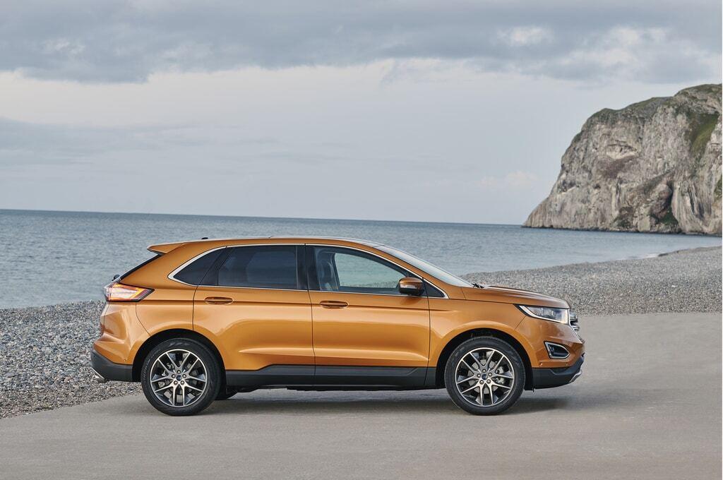 """""""Мощность и компактность"""". Ford показал новинку Edge: фото модели"""