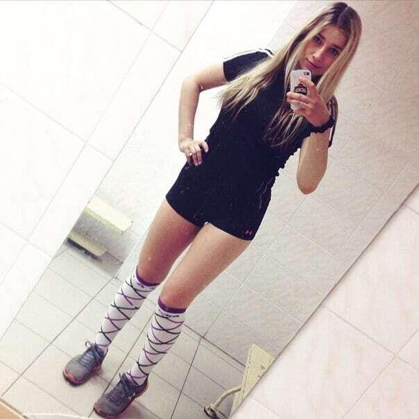 Соцсети влюбились в девушку-арбитра: фото красавицы