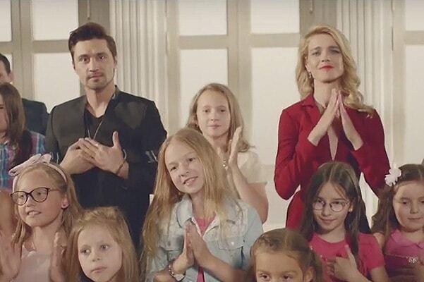 Билан и Водянова презентовали клип о детях с особенностями развития