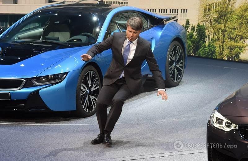 Гендиректор BMW потерял сознание на презентации Франкфуртского автосалона