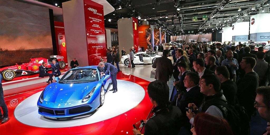 Франкфуртский автосалон: быстрейший кабриолет Ferrari запечатлен топлесс на фото и видео