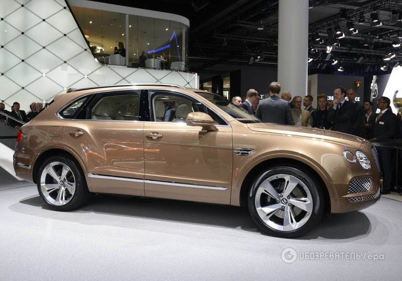 Королева Англії першою отримає новий розкішний Bentley