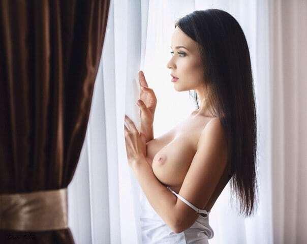 """Українська модель в стилі """"ню"""" знялася на підтримку запорізького футболу"""