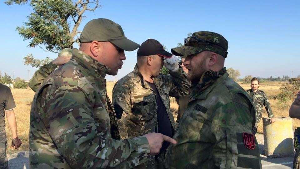 """Милиция и ПС досрочно """"заблокировали"""" Крым - СМИ"""