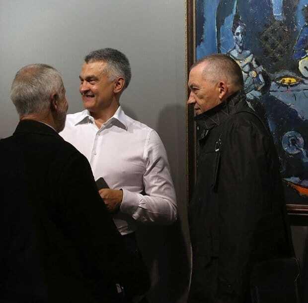 Побіжний соратник Януковича відкрив у Мінську крупну галерею: опубліковані фото