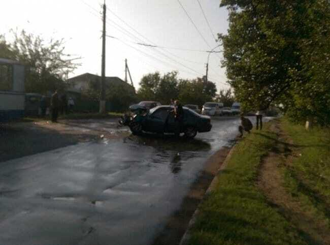У Лисичанську потрапив у аварію голова районної ВГА: опубліковані фото