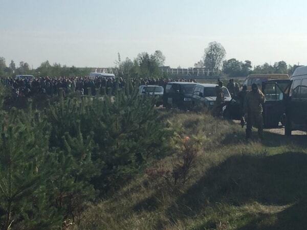 Бурштинові війни на Волині: опубліковані фото і відео з місця конфлікту
