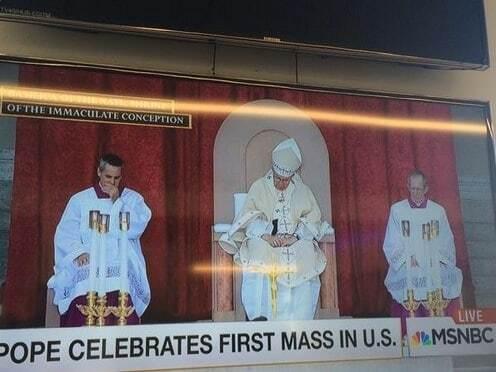 Папа Римский уснул во время своей мессы в США: фотофакт