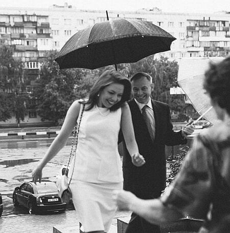 Як гуляють весілля молоді політики: 27-річна нардеп вийшла заміж за одеського чиновника