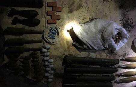 На Луганщині виявлений великий арсенал боєприпасів: опубліковані фото