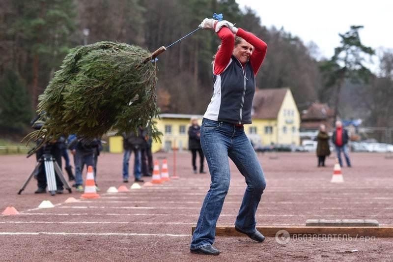 Мне бы в небо! В Германии прошел чемпионат по метанию елок