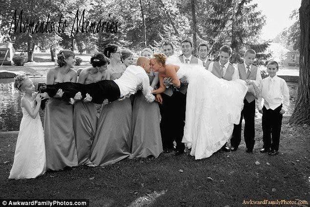 Этот неловкий момент: топ-15 самых нелепых свадебных поцелуев