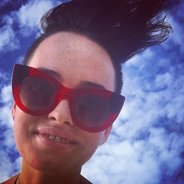"""""""Такая откровенная"""": Даша Астафьева полностью обнажила грудь у океана"""