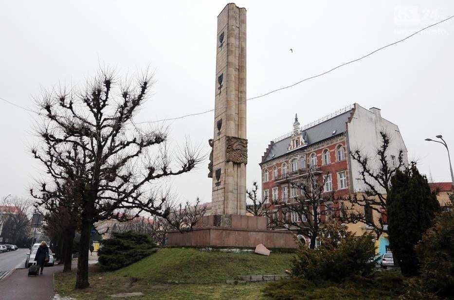 В Польше разрушили советский памятник, Россия закатила истерику