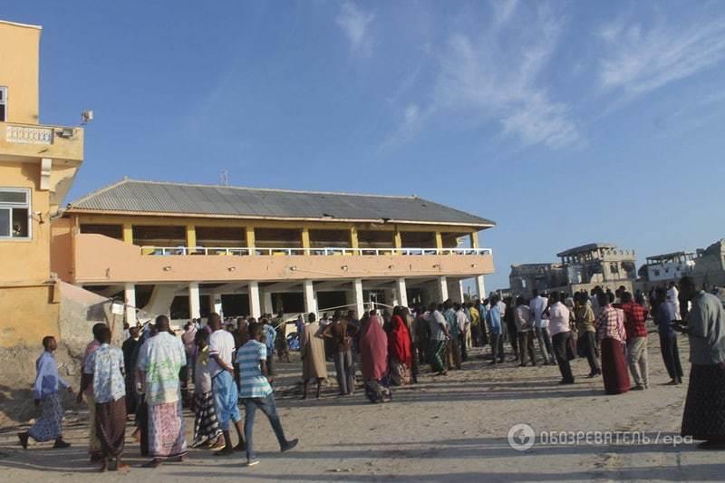 У Сомалі жертвами атаки на пляжний ресторан стали 20 людей: фото з місця теракту