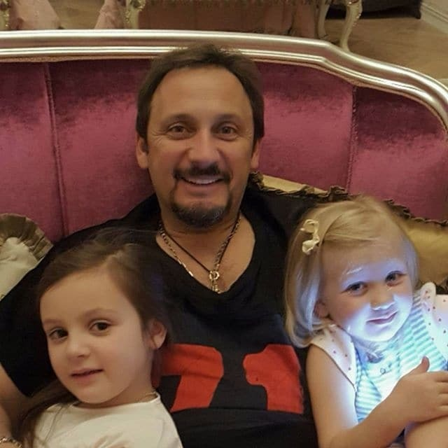 Папины дочки: украинская жена Стаса Михайлова засветила его подросших детей