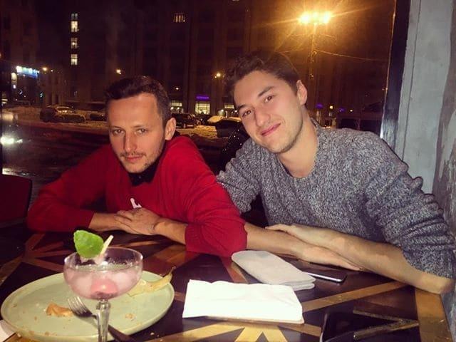 Глюкоза провела вечер в компании российского дизайнера: опубликованы фото