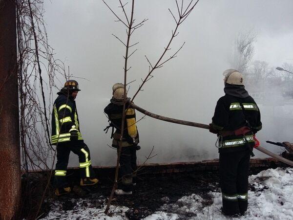 В Киеве едва не взорвался горящий склад: подробности ЧП