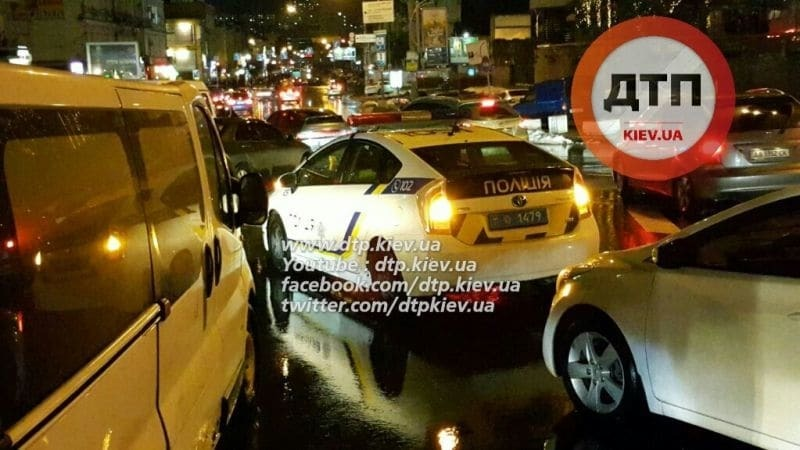 В Киеве таксист сбил 7-летнего ребенка и скрылся