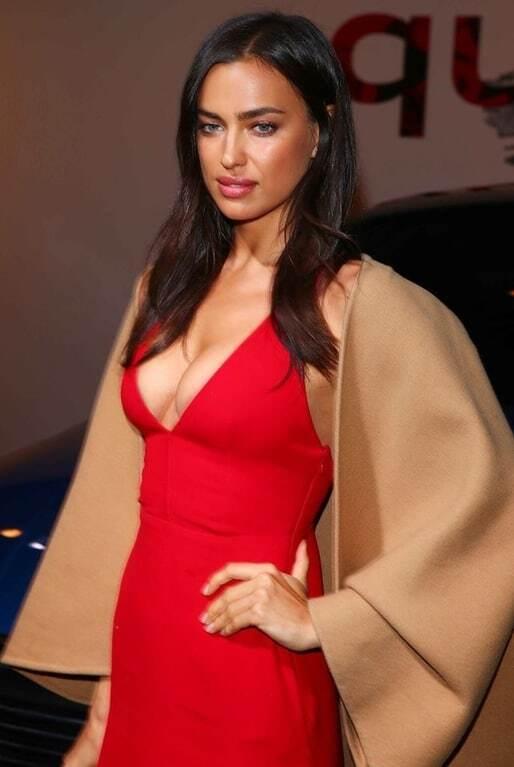 Ирина Шейк стала звездой вечера благодаря откровенному декольте