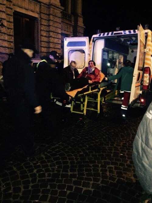 В Львове автомобиль врезался в Оперный театр