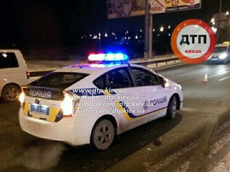 В Киеве Hyundai врезался в столб