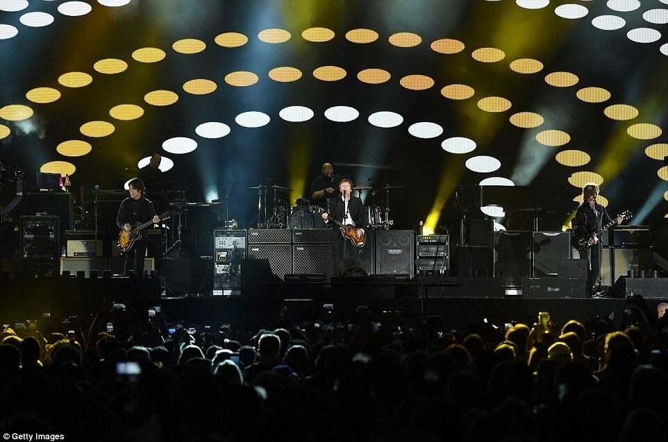 Нестареющий Пол Маккартни зажег публику песнями Битлз на фестивале в США